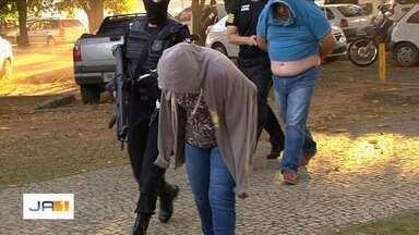 Polícia faz ação para prender grupo suspeito de mais de 20 assassinatos, em Goiânia - Grupo era comandado por detento de dentro do presídio de Formosa, segundo a corporação.