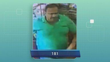 Polícia pede ajuda para localizar suspeito de assediar menina em mercadinho no AM - Câmeras de segurança registraram crime.