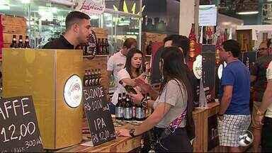 Festival de cerveja é realizado em Caruaru - Evento acontece no Polo Comercial.