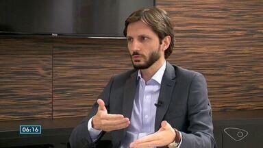 Especialista em teoria política e econômica para sobre eleições no ES - Adriano Gianturco esteve em Vitória para o evento Líderes do Amanhã.