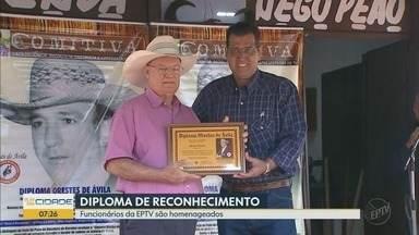 Festa do Peão de Barretos 2018 homenageia profissionais da imprensa - Técnico de externa da EPTV José Luiz Masson e apresentador Danilo Scochi receberam o Diploma Oreste de Ávila.