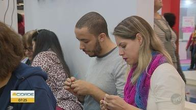 'Sua Chance': Feiras incentivam jovens no artesanato - Artes podem ser a entrada para o mercado de trabalho.