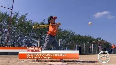 Crianças praticam beisebol em São José dos Campos - Esporte pouco popular no Brasil tem conquistado os meninos em São José.