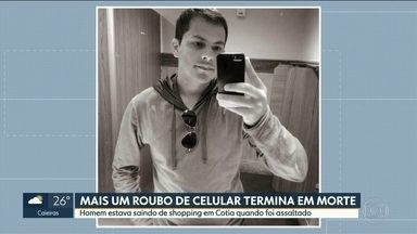 Em menos de dez dias, três casos de roubo de celular terminam em morte na Grande São Paulo - Mais um roubo de celular terminou em morte, na Grande São Paulo. Desta vez foi em Cotia. A vítima é um homem de 35 anos que estava saindo de um shopping.