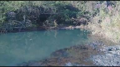 Jovem de Jundiaí desaparece em cachoeira em Minas Gerais - Um jovem de Jundiaí (SP) de 20 anos desapareceu em uma cachoeira perto de Uberlândia, no Triângulo Mineiro. Os bombeiros estão fazendo buscas desde o domingo (19).