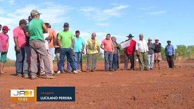 Moradores de assentamento esperam há quase 20 anos pelos títulos das terras que ocupam - Moradores de assentamento esperam há quase 20 anos pelos títulos das terras que ocupam