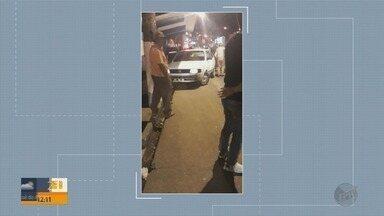 Carro invade calçada, bate em ponto de ônibus e deixa quatro feridos em Varginha (MG) - Carro invade calçada, bate em ponto de ônibus e deixa quatro feridos em Varginha (MG)