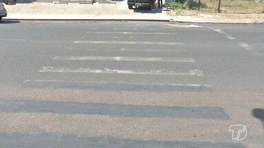 Motoristas e pedestres reclamam de sinalização de rua em Santarém - Em alguns locais a sinalização está completamente apagada.