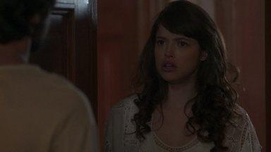 Ernesto recusa o convite para dormir ao lado de Ema - Ema se choca com a resposta do noivo