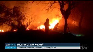 Bombeiros atendem, em média, 27 incêndios por dia no Paraná - De acordo com os bombeiros, o tempo seco não é o único fator pro aumento no número de incêndios no estado.