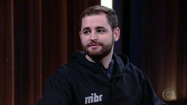 Gabriel Toledo explica origem do nickname 'Fallen' - Ele é jogador e campeão mundial de Counter Strike