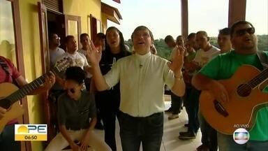 Show beneficente arrecada dinheiro para terminar obras da Fazenda Esperança - Espaço em Jaboatão auxilia pessoas viciadas a retomar a própria vida.