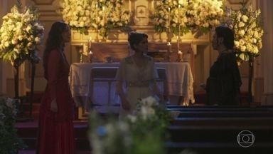 Elisabeta pede que Lady Margareth vá embora - Charlotte reclama por Elisa não ter deixado que ela controlasse a situação com a tia