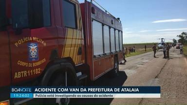 Polícia diz que motorista da van não tinha habilitação para a categoria - O acidente foi na semana passada e 16 pessoas ficaram feridas.