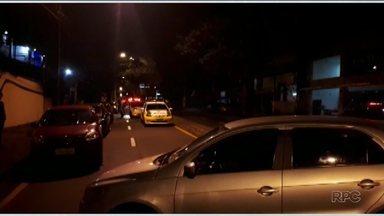 Motorista é presa dirigindo embriagada - Dois carros se envolveram em um acidente em Londrina.