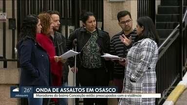 Onda de assaltos assusta moradores de um bairro de Osasco - Os moradores de condomínios do bairro Conceição estão preocupados com a violência no local e os relatos são assustadores.