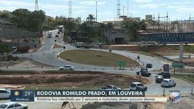 Rotatória na Rodovia Romildo Prado em Louveira fica interditada por duas semanas - Motoristas devem procurar desvios. Nova fase na duplicação da rodovia começa nesta quinta-feira (30).