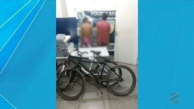 PM prende jovem e apreende adolescente em Ladário - Eles foram flagrados com bicicletas roubadas.