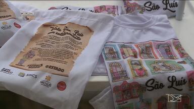 Camisetas estampadas são feitas por artista plástico para ajudar fundação Antônio Bruno - Camisetas tem como estampa, janelas e sobrados coloniais e cenas do cotidiano da cidade.