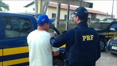Homem é preso por tentar suborno a policial em Santa Inês - Caso aconteceu na rodovia BR-316.
