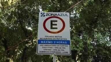 Estacionamento rotativo 'Zona Azul' volta a ser implantado em Governador Valadares - Na primeira semana, não há pagamento.