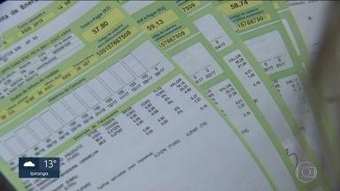 Paulistanos reclamam do preço da conta de luz - Setembro é o quarto mês seguido de bandeira vermelha na conta de luz, a tarifa mais cara. Muitas pessoas estão reclamando do valor da conta.