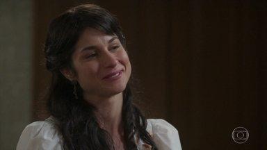 Mariana incentiva Luccino para o encontro com Otávio - A jovem Benedito fala sobre aceitação e Luccino pergunta por que ela não assume seus cabelos curtos