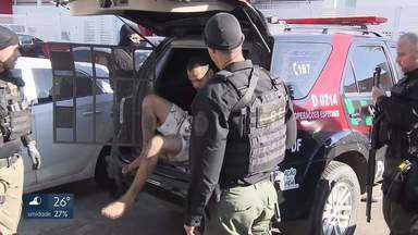 Polícia Civil prende 19 pessoas em operação para desarticular facção criminosa - Confira essa e outras imagens da quarta-feira.