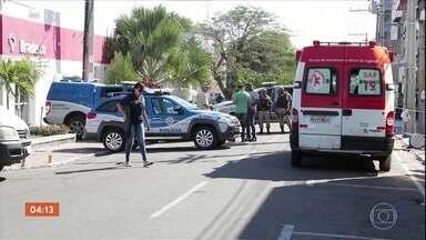 Bandidos sequestram gerente de banco para tentar roubar agência na Bahia - Os criminosos prenderam explosivos no funcionário para obrigá-lo a entregar o dinheiro.
