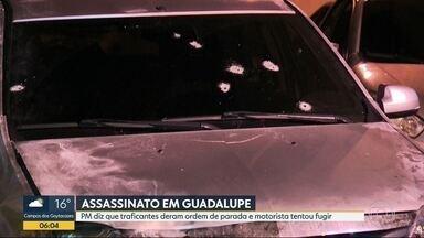 Motorista de aplicativo morre e passageiro fica ferido após ataque em Guadalupe - Bandidos atiraram contra o carro de um motorista de Uber na Zona Norte do Rio de Janeiro. PM diz que traficantes deram ordem de parada e motorista tentou fugir.