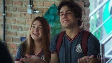 Alex e Flora apoiam Paulo e Marli - Paulo fica aliviado e surpreso com a reação positiva dos filhos