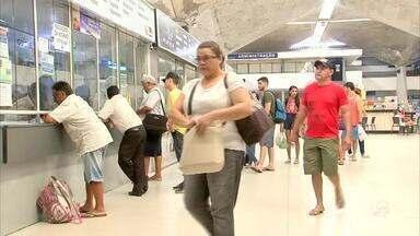 Passageiros lotam rodoviária de Fortaleza no feriadão - Confira mais notícias em g1.globo.com/ce