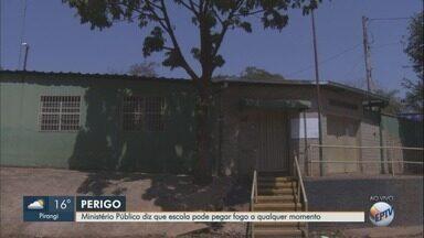 Aulas são suspensas após Justiça interditar escola por risco de incêndio em Ribeirão Preto - Cerca de 400 estudantes ficaram sem atividades nesta segunda-feira (10).