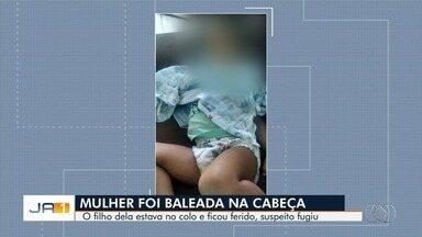 Jovem é baleada na cabeça ao lado do filho de 2 anos, em rua de Aparecida de Goiânia - Segundo a Polícia Civil, vítima de 21 anos caminhava quando um homem se aproximou e fez dois disparos; ela foi socorrida e levada para o Hospital de Urgências de Goiânia.
