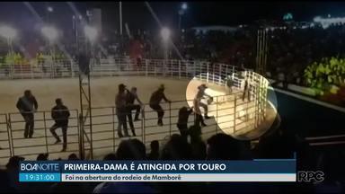 Touro atinge primeira-dama de Mamborê - Ela não sofreu fraturas.