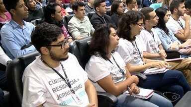 Alunos do Curso de Residência da Rede Gazeta assistem à aula inaugural com Chico Pinheiro - Alunos vão conhecer a rotina das redações da Rede Gazeta.