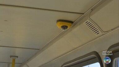 Câmeras ajudam a combater vandalismo em ônibus de Jundiaí - Câmeras de segurança estão ajudando a combater o vandalismo nos ônibus urbanos em Jundiaí (SP).