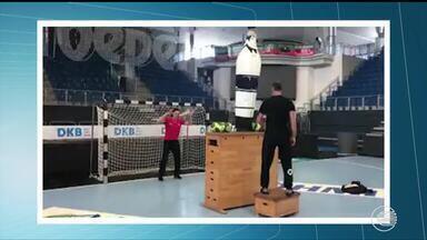 Goleiros de handebol tem treino pesado para melhorar reflexos - Goleiros de handebol tem treino pesado para melhorar reflexos