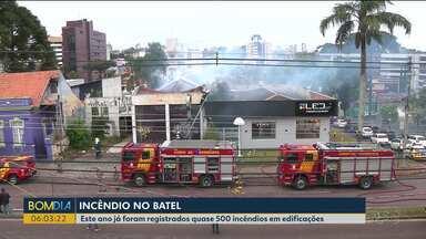 Incêndio assusta moradores do Bairro Batel, em Curitiba - Este ano, já foram registrados quase 500 incêndios em edificações da capital.