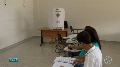Mesários de 2018 recebem treinamento para eleições de 2018 - Tribunal Regional Eleitoral dá treinamento a pessoas que vão trabalhar nas sessões eleitorais, em outubro.