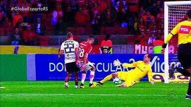Goleiro Marcelo Lomba vive grande fase no Inter - Marcelo Lomba voltou ao time titular após lesão de Danilo Fernandes.