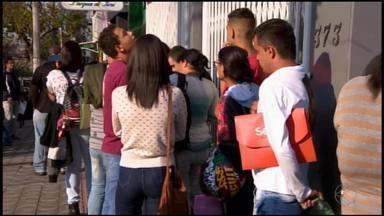 Feira de empregos oferece mais de 300 vagas em Divinópolis - Evento ocorreu nesta quinta-feira (13) e foi promovido pelo Senac junto com parceiros.