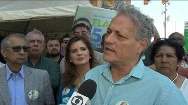 Candidato do PPL, João Goulart Filho, faz campanha em Brasília - Jornal Nacional mostra como foram as atividades de campanha de candidatos à presidência nesta quinta-feira (13).