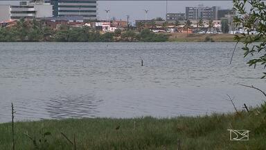 Mau cheiro incomoda frequentadores da Lagoa da Jansen em São Luís - Segundo especialistas, o problema está ligado à poluição e que fica mais evidente no período de ventos fortes.