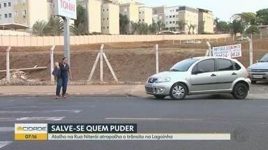 Moradores pedem instalação de semáforo em rua do bairro Lagoinha em Ribeirão Preto - Além de dificuldades para atravessar, pedestres reclamam de irregularidades no trânsito.