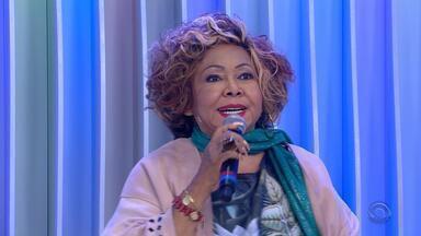 Alcione comemora 47 anos de carreira com shows no Auditório Araújo Vianna, em Porto Alegre - Assista ao vídeo.