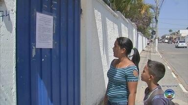 Escola volta a funcionar após infestação de pombos em Cabreúva - Após uma semana fechada por uma infestação de pombos, a escola municipal do bairro Vilarejo, em Cabreúva (SP), voltou a funcionar nesta segunda-feira (17).