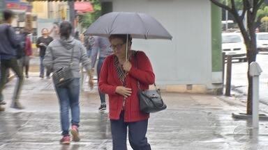Até agora já choveu em toda Campo Grande 48% do esperado para todo setembro - A capital de Mato Grosso do Sul e outros municípios estavam precisando da chuva. A umidade relativa do ar estava muito baixa e agora está muito melhor para respirar.