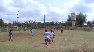 Jovens indígenas de Dourados participam de projeto social - Objetivo é oferecer qualidade de vida aos jovens da reserva de Dourados.