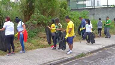 Grupo se reúne para limpar bairro e plantar árvores em Mogi das Cruzes - A atividade foi realizada no bairro do Mogilar, neste domingo.